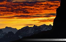 Wschód słońca nad Alpami