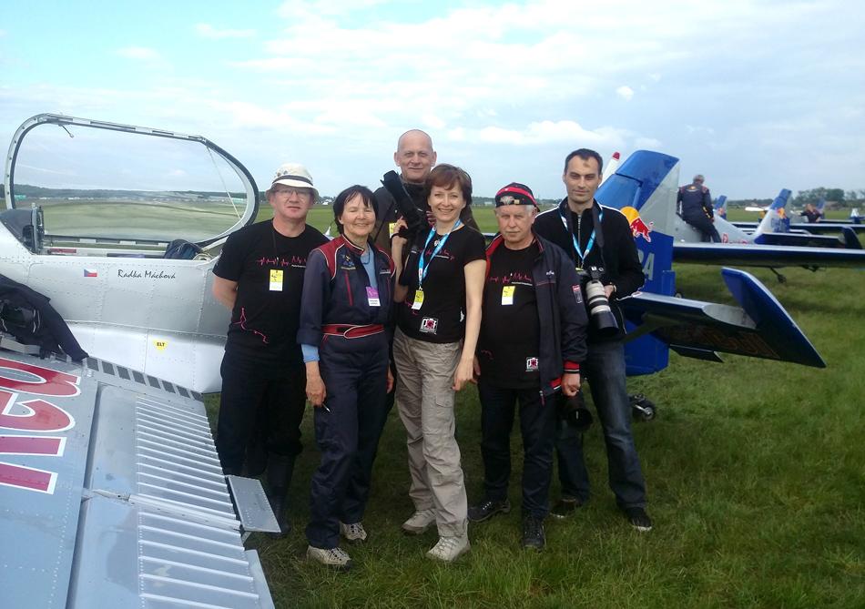Lider The Flying Bulls aerobatics team - Radka Máchová.
